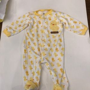 carters just one year Pajamas - Lot Of DUCK Sleepers, Robe ,Outfit 6 months
